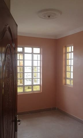 5 BEDROOMED HOME FOR RENT - Nairobi - Hus