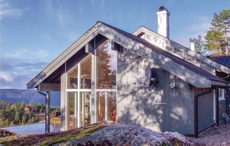Holiday cottage with 4 bedrooms on 123m² in Dølemo