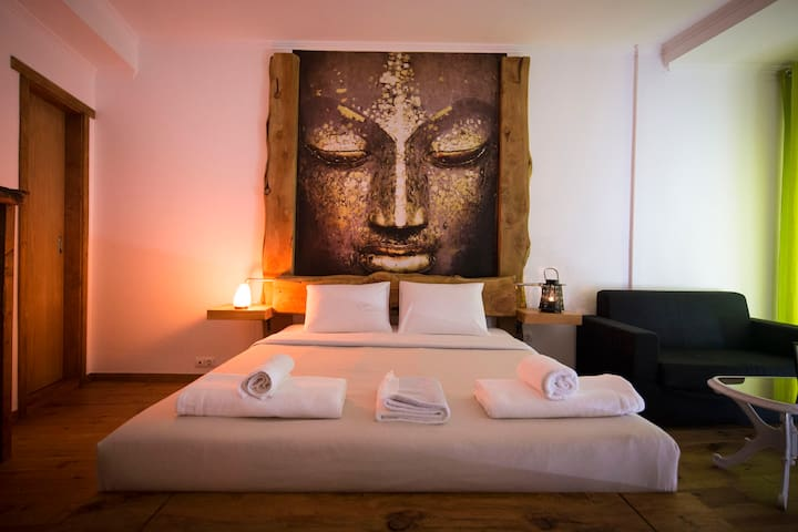 MoRe # Buddha Room
