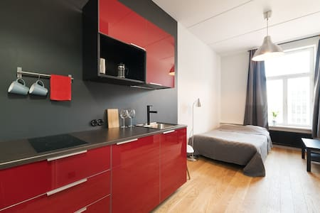 Stylish studio next to old town & harbour - 塔林