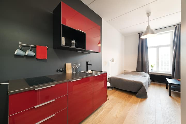 Stylish studio next to old town & harbour