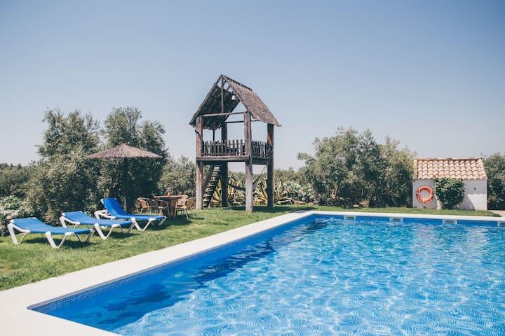 Preciosa habitación doble con piscina y desayuno