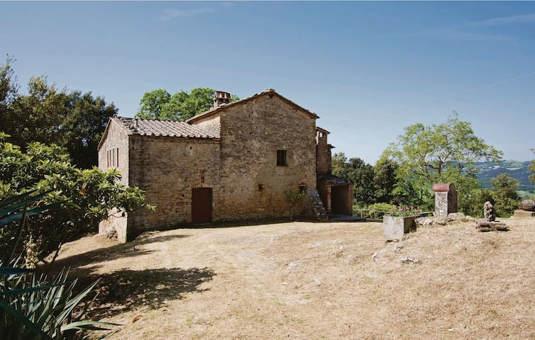 Holiday cottage with 3 bedrooms on 140m² in Pomarance PI