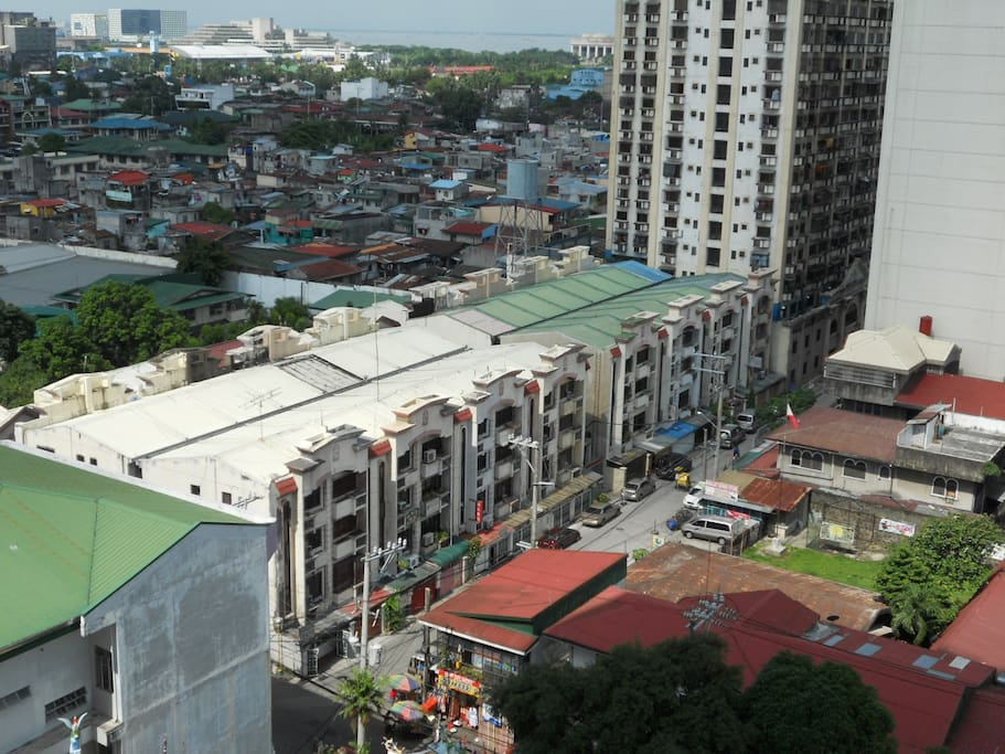 view from the balcony...the south side of Manila