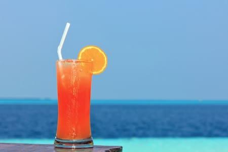 Direct Beachfront Grace Bay - Dining, Snorkelling - Caicos Islands - Villa