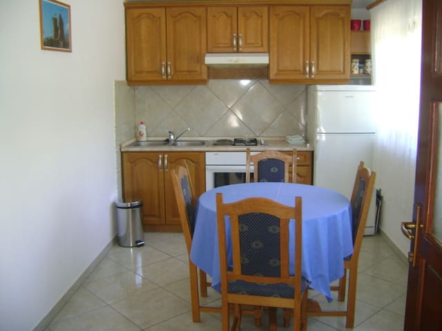 Comfortable and quiet apartment for two - Starigrad Paklenica