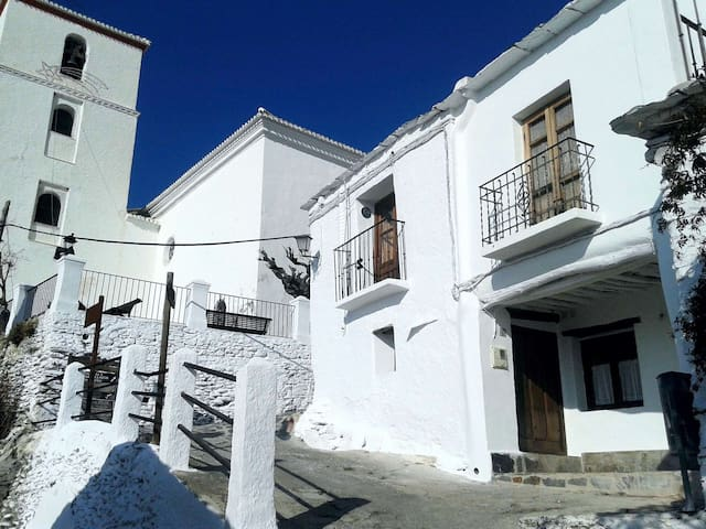 Moorish style, cozy 2 storey house