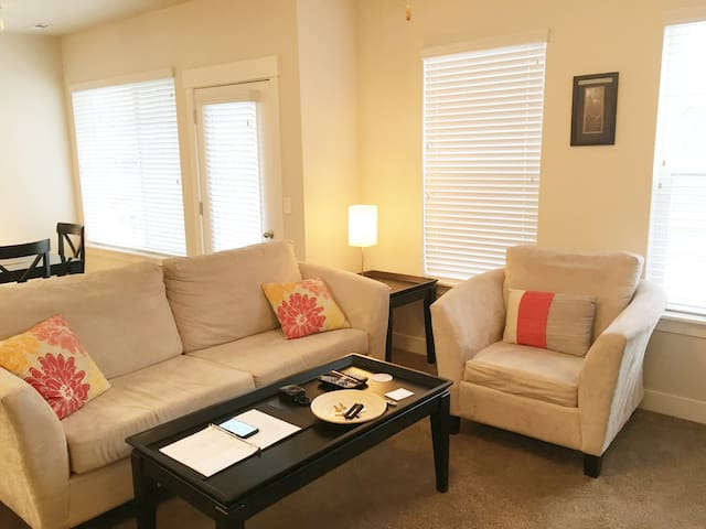 Minutes from I-15 | Beautiful 1 Bedroom | LEHI