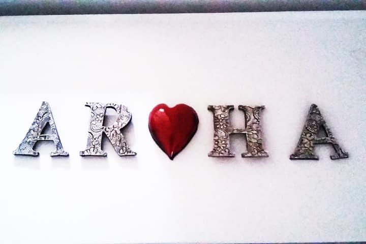 AROHA  - Single Room -GLASTONBURY UK