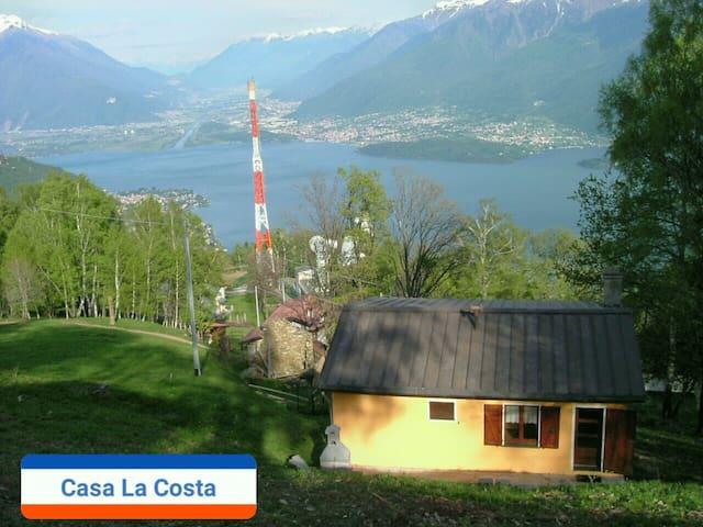 Lake Como view, 8 people 3 bedrooms 2 bathrooms
