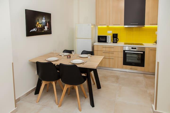 Cozy Apartment in Thisio!