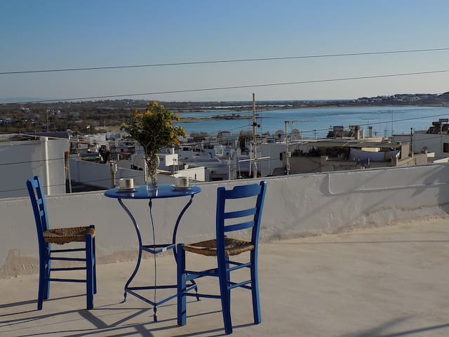 My home in Naxos town with sea view - Naxos - House
