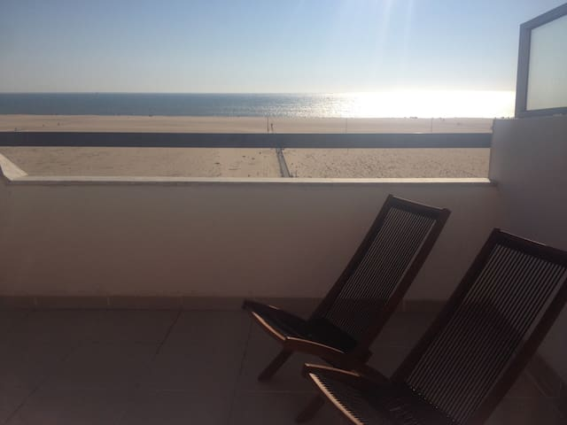 2 bedroom flat facing the beach - Figueira da Foz - Apartemen