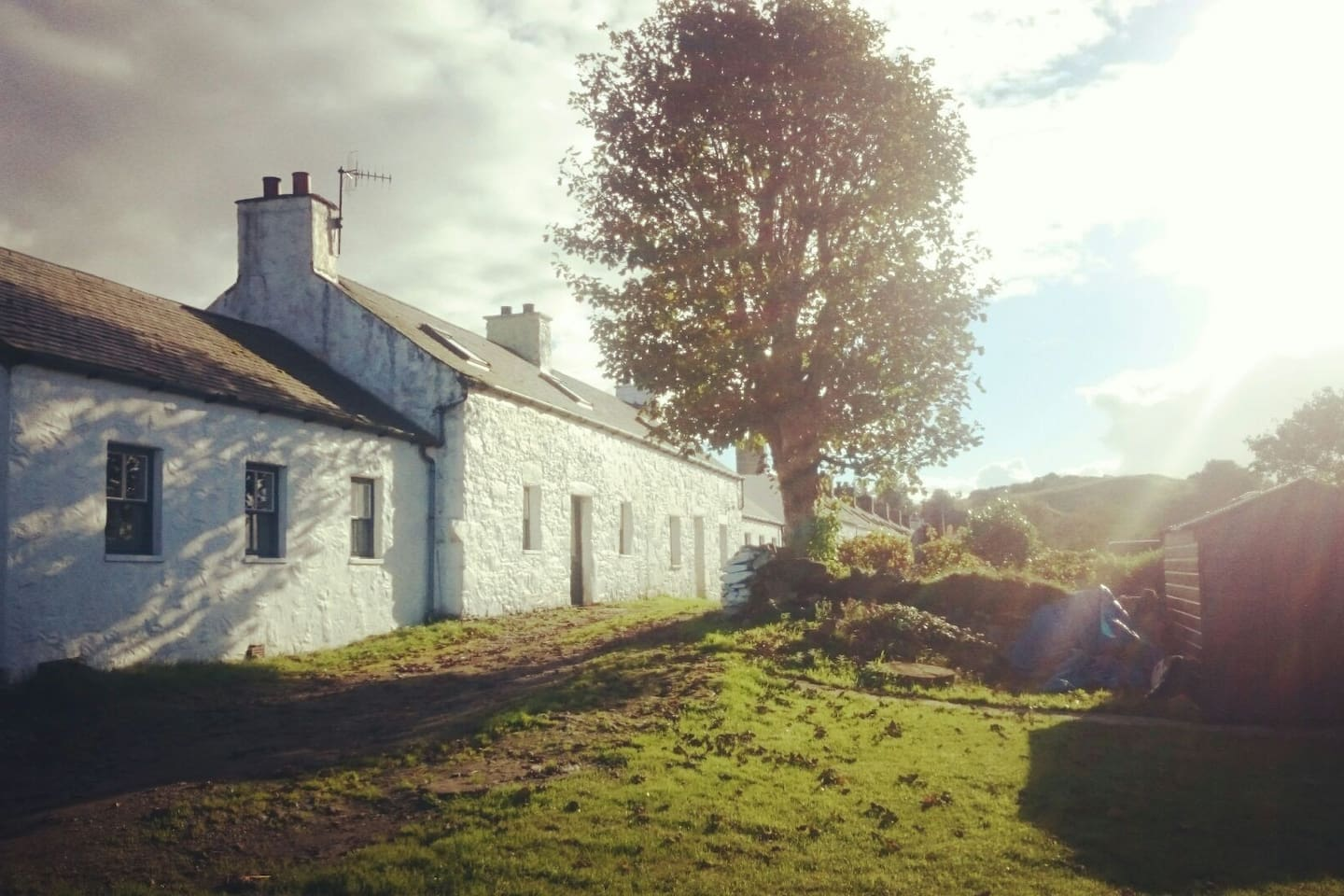 No. 1 Port Ramsay is a semi-detached four-star accommodation, with quadruple aspect views of the Great Glen.