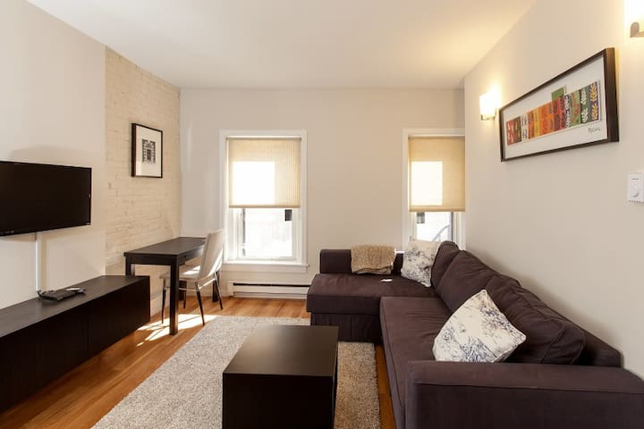 Brownstone|Contemporary Newbury Place|1BR 1BA #6