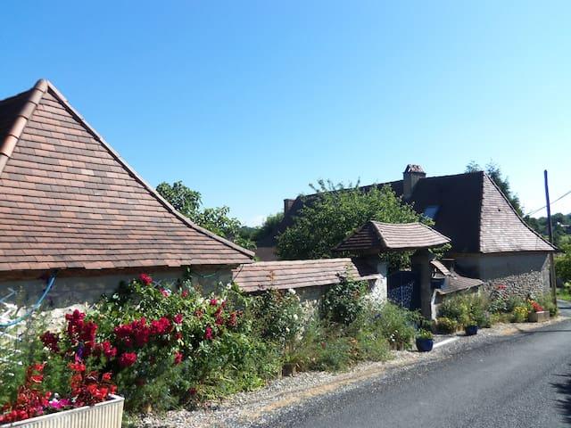 Maison a la campagne Périgord Noir - FOSSEMAGNE - House