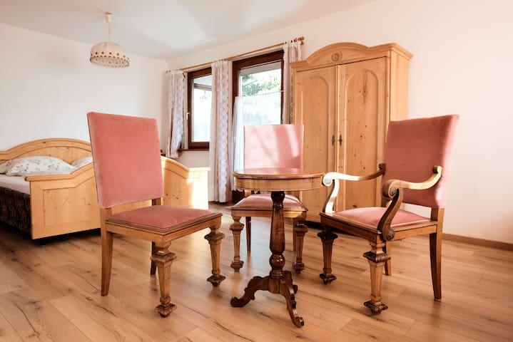 Haus Fink (200 sqm) + Garden - Family Paradise! - Innsbruck - House