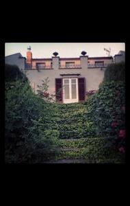 "Affascinante ""Villa Liberty"" - Sambuca di Sicilia"