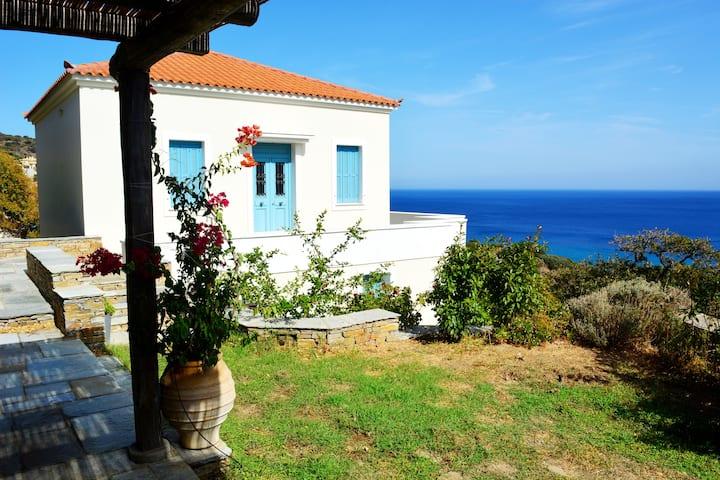 Traditional Seaview Villa Stenies
