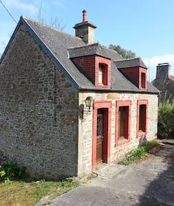 charmante maison en pierres - Le Vicel - Huis
