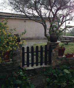 Charmante maison de hameau - Saint-Antonin-du-Var