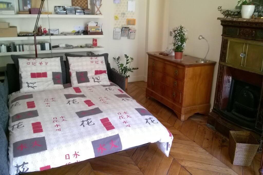 The bed - Le lit