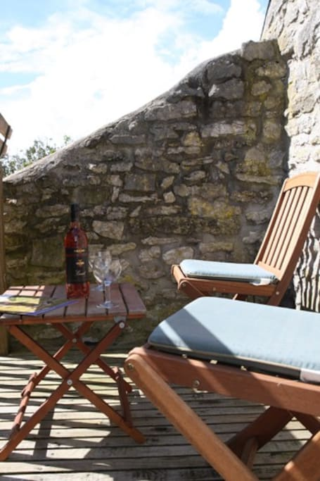The Barn @ The Old Bakery: Balcony; an excellent Sun Trap
