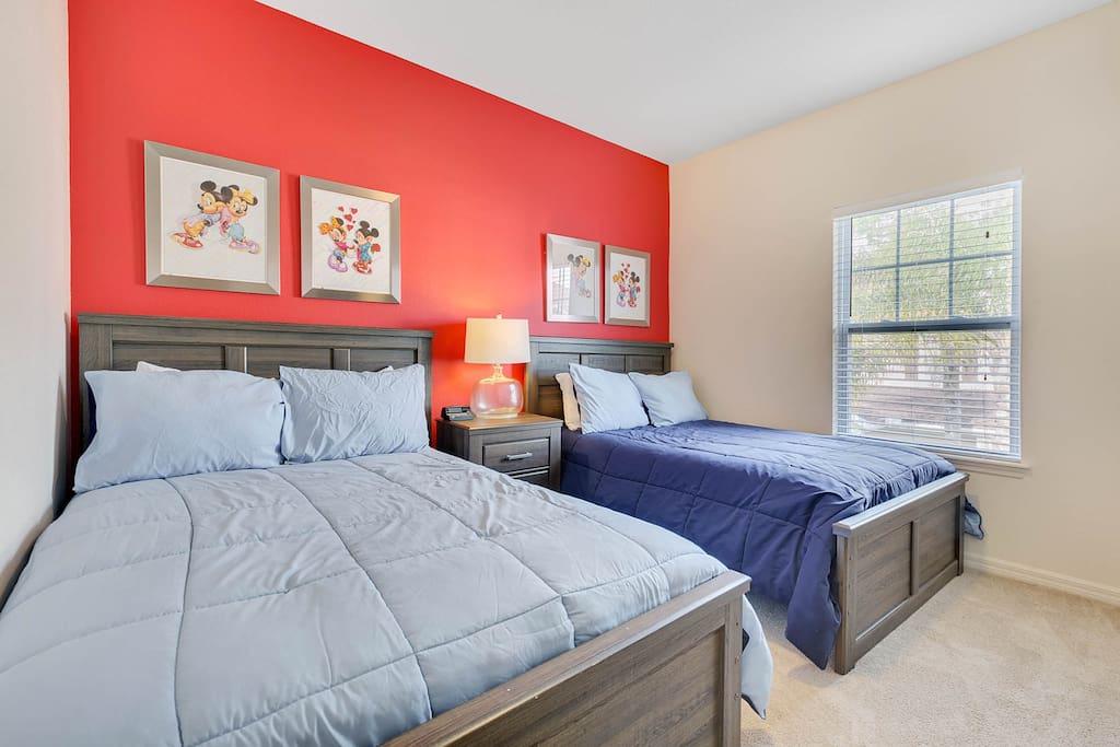 Bedroom 3: Upper Level