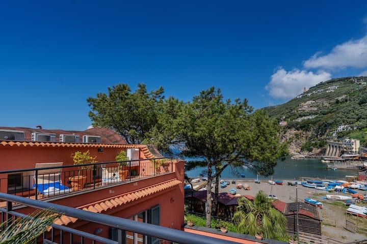 Lovely 2 bedroom beach apartment on Sorrento Coast