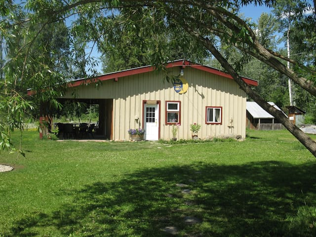 Half Moon Guest House - Clearwater - Gästhus