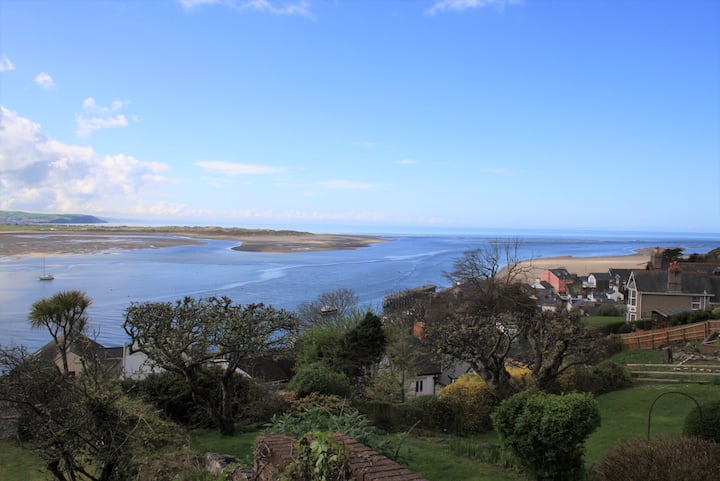 Self contained home with an amazing view Gwynedd
