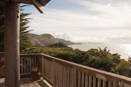 Muir Beach's Haiku House with Dramatic Ocean Views - Muir Beach - Talo