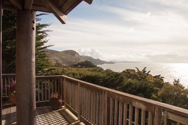 Muir Beach's Haiku House with Dramatic Ocean Views
