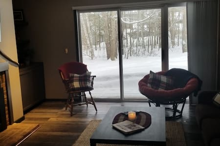 Updated 1 bed on Sugarbush Access Rd sleeps 4