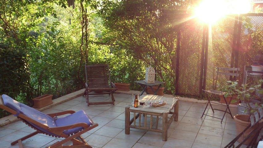 Charmant T2 avec terrasse et jardin - Aix-en-Provence - Leilighet