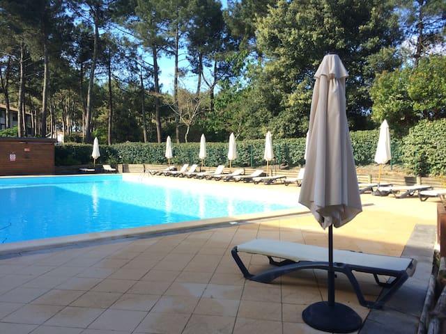 Appart 2 ch terrasse piscine vital parc