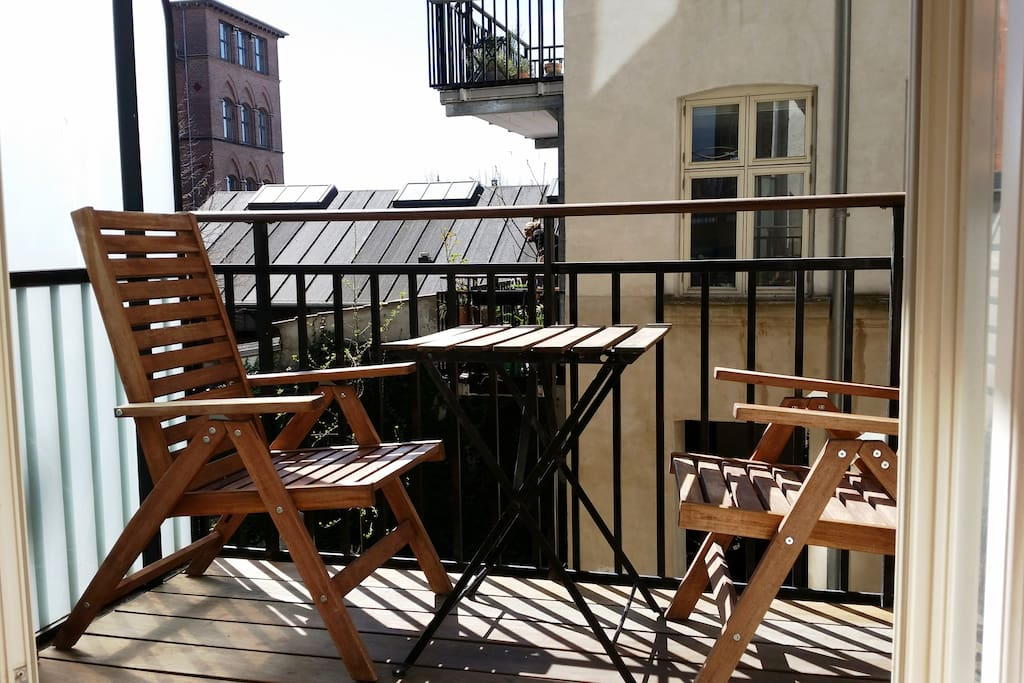 Enjoy your breakfast, coffee or lunch on the sunny balcony