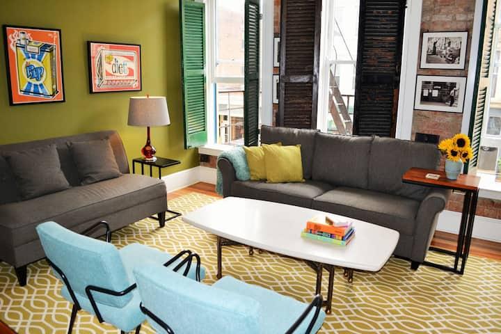 Hip Eclectic 1 bedroom in OTR w/free parking
