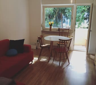 Cozy apartment with balcony & garden in Ehrenfeld - Köln