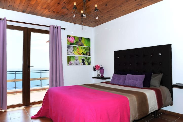 Candelaria 2017: Top 20 Holiday Lettings Candelaria, Holiday ... | {Einbauküche pink 29}