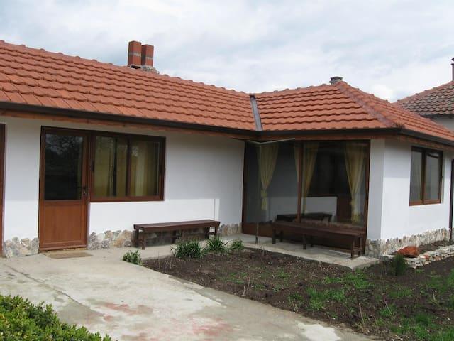 "Guest house ""Kosta Petrov"" - Balgarevo - 一軒家"