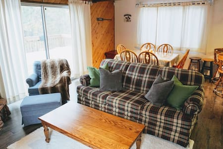 Cozy Cabin in the Woods w/ Fireplace - Big Bear - Kabin