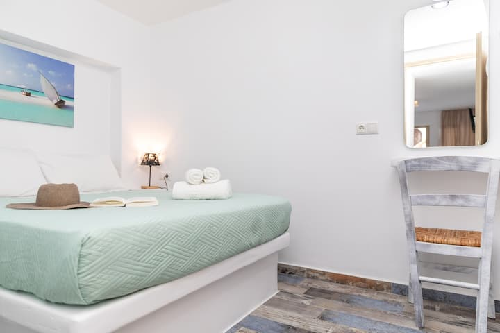 Naxos luxury suites, depis apartment for 4