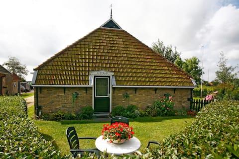 Woonboerderij met prachtig uitzicht over de polder
