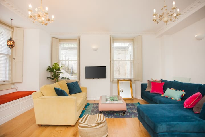 Bright and airy city centre apartment
