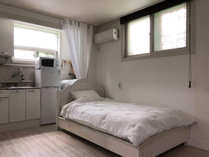 Cozy room C