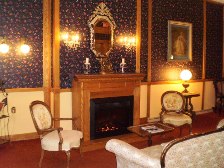 Historic Hotel Millersburg
