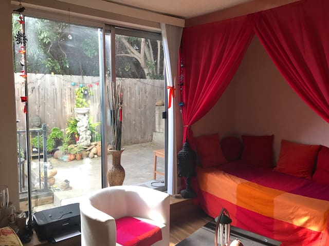 cozy little apartment, close to downtown, - San Diego - Apartment