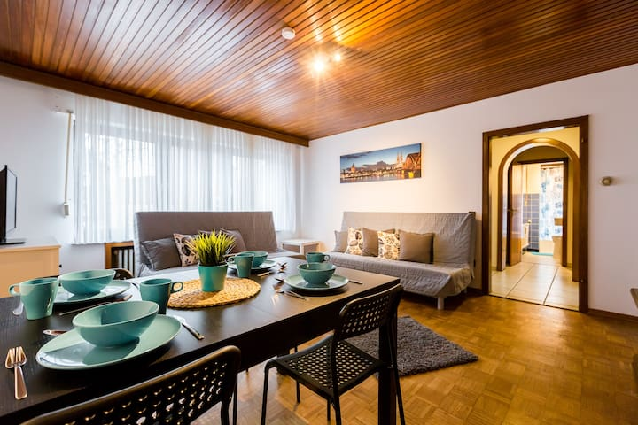 Spacious 3 room apartment + terrace for 12 pers. - Dormagen