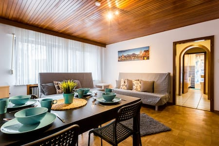 Spacious 3 room apartment + terrace for 12 pers. - Dormagen - Byt
